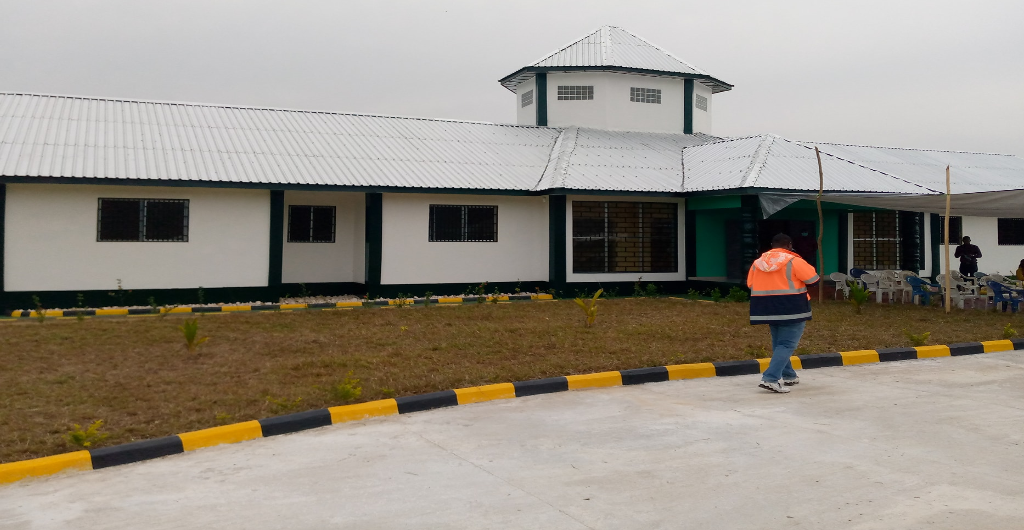 The World Bank turns over an office complex to the EPA and the FDA in Tubmanburg, Bomi County.